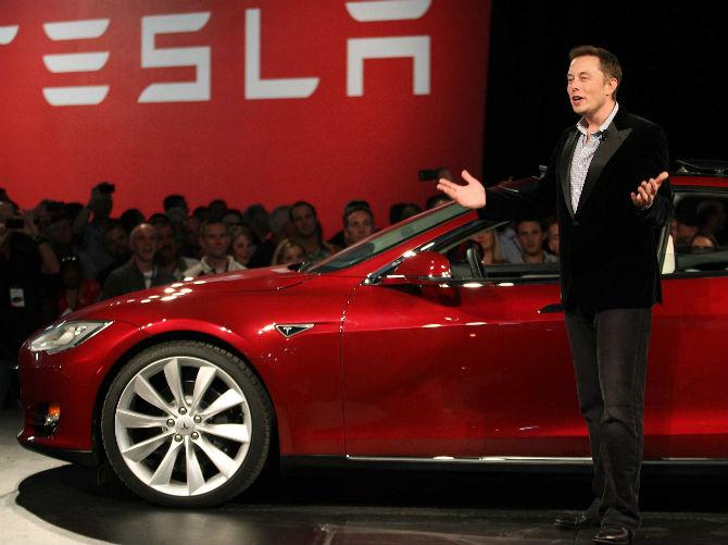 """Đế chế Elon Musk được chính phủ Mỹ """"bơm"""" 4,9 tỷ USD tiền trợ cấp"""