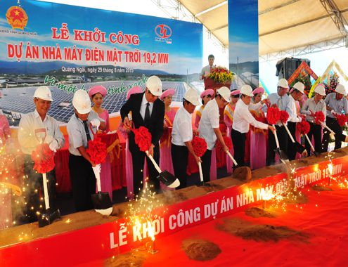 Xây nhà máy điện mặt trời đầu tiên ở Việt Nam