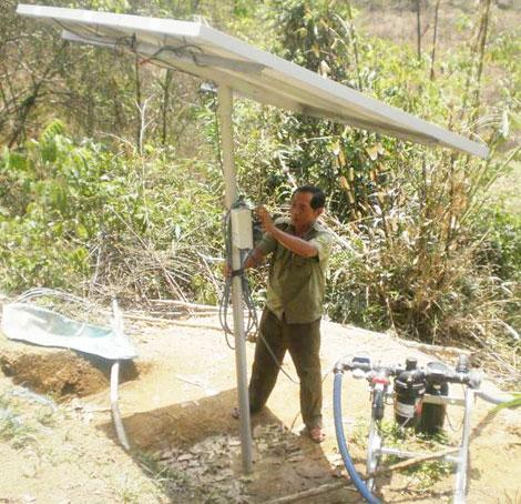 Tưới nhỏ giọt bằng năng lượng từ Pin mặt trời