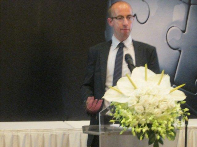 Chuyên gia kinh tế Scotte Corfe tại buổi giới thiệu báo cáo Tầm nhìn kinh tế Đông Nam Á quý 2 – 2015 của ICAEW - Ảnh: Đức Tâm